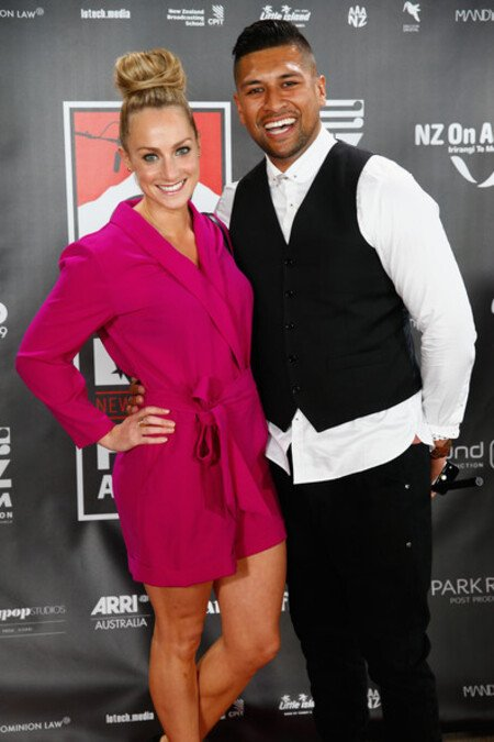 Te Kohe Tuhaka is married to his wife Larissa Dyke since 2016.