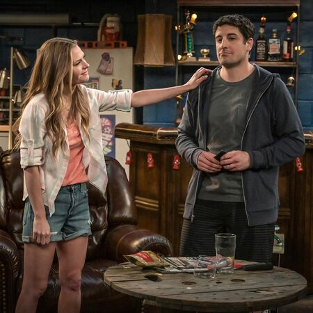 Jason Biggs and Maggie Lawson star as Mike and Kay, respectively on the Fox sitcom 'Outmatched' (2020).