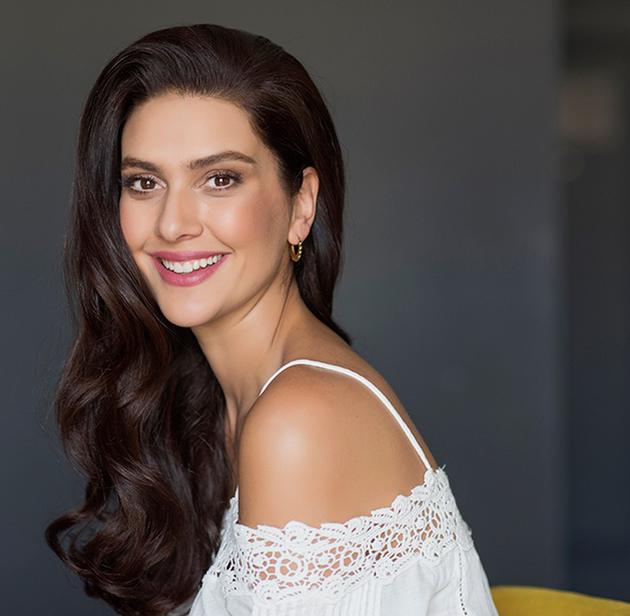 Berguzar Korel Bio, Age, Height, Career, Net Worth, Salary, Affair ...