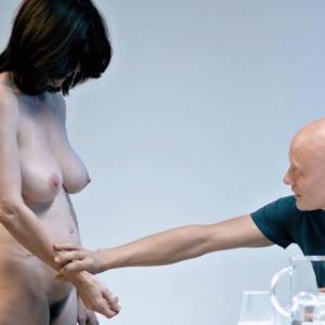 Nackt  Laura Benson 41 Sexiest