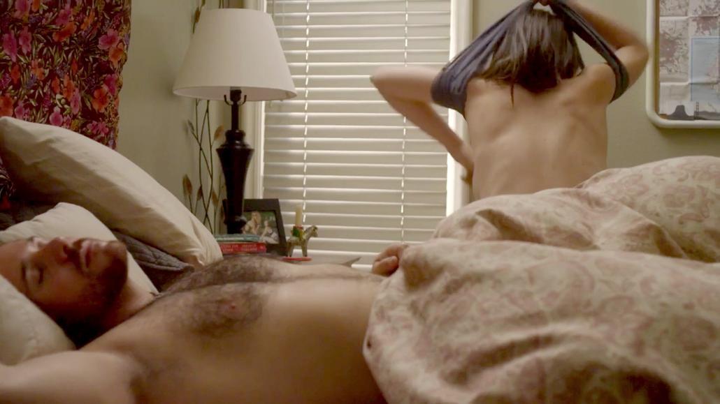 Leah Huebner  nackt