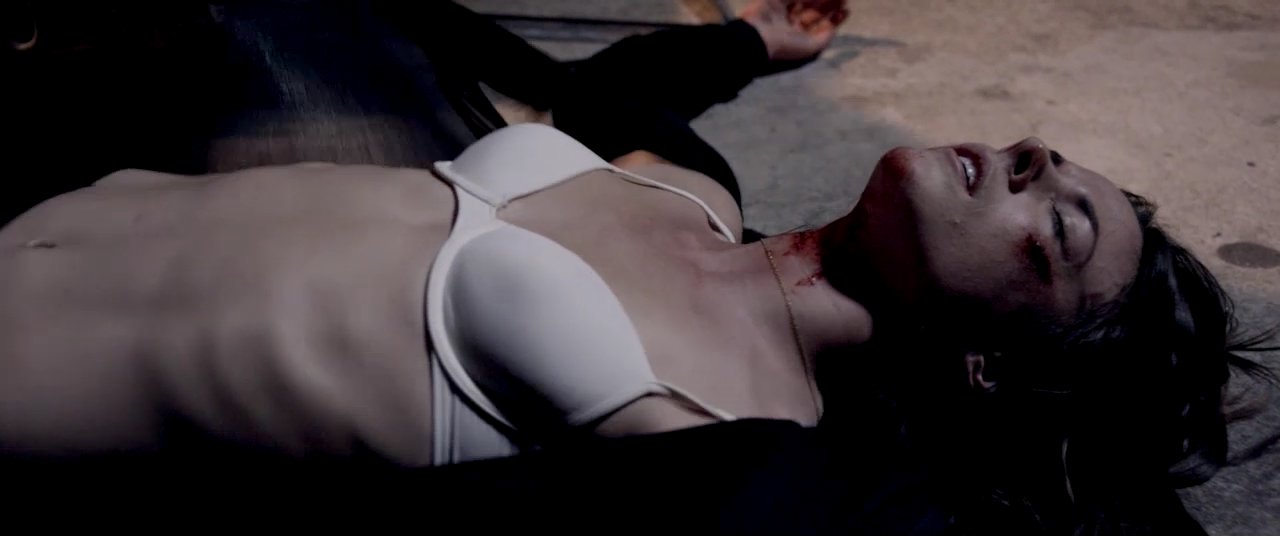 Sarah Butler Nude Images