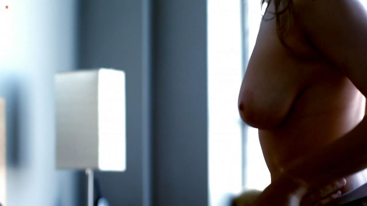Stacy Stas  nackt