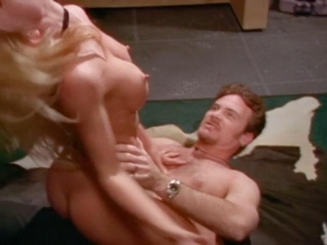 Poole nackt Tonya  Mona Nude