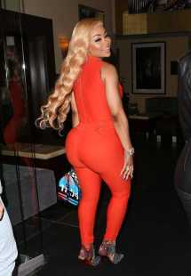 Blac Chyna Stops Sunset Marquis Hotel In West