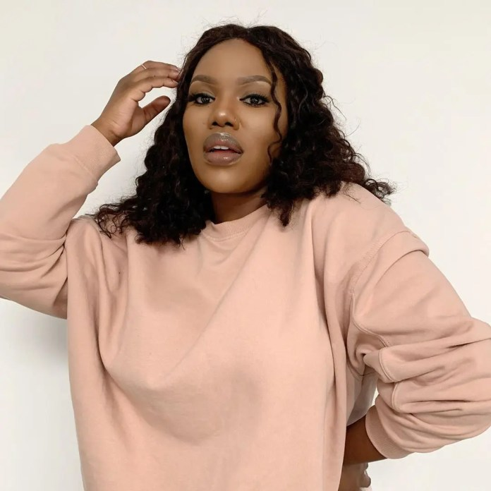 Pictures | Mzansi gives a thumps up to Uzalo actress Gugu Gumede aka MaMlambo's looks