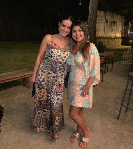Samara Saraiva with her older sister Maria Peres Horta.