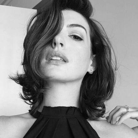 Watch Online   Anne Hathaway Nude Photos, Topless & Sex Scenes – UNCENSORED!