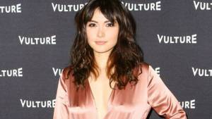Daniella Pineda Height, Weight, Age, Wiki, Biography, Net Worth, Facts