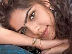 Sharmin Sehgal Wiki, Age, Height, Boyfriend, Husband, Family, Biography