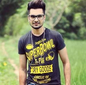 B Jay Randhawa Height, Weight, Age, Biography, Wiki, Girlfriend, Family
