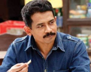 Atul Kulkarni House Address, Phone Number, Email Id, Contact Info