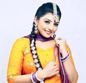Rupinder Handa Height, Weight, Age, Wiki, Biography, Husband, Family