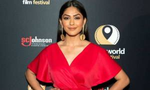 Mrunal Thakur Bio, Age, Height, Family, Boyfriend, Facts