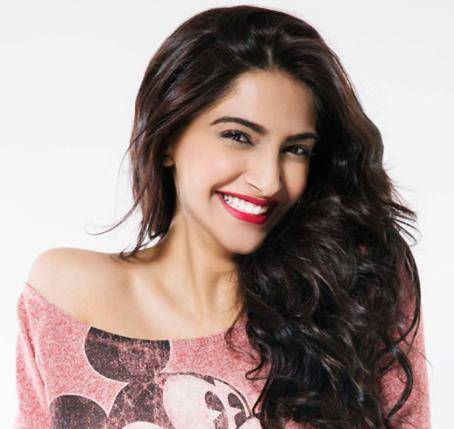 Sonam Kapoor Contact Address, Phone Number, House Address, Email ID