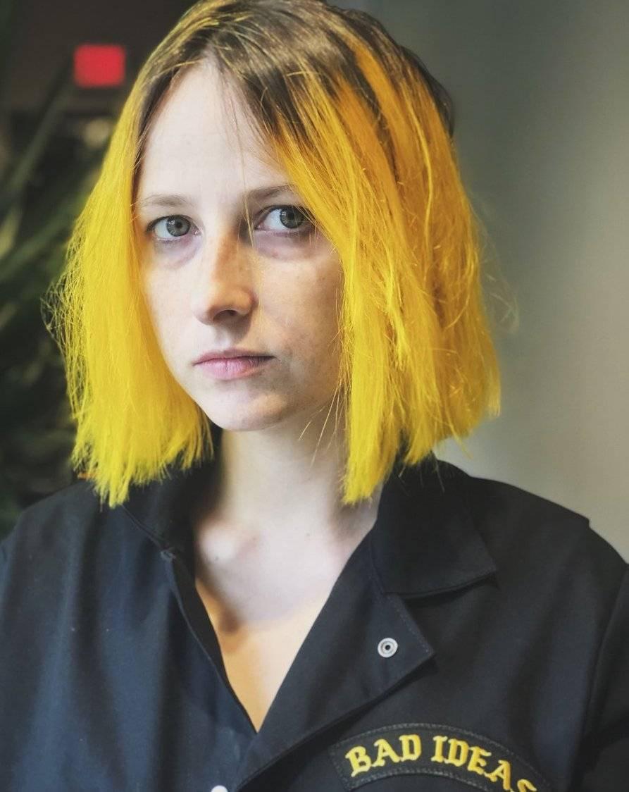 Tessa Violet Height