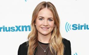 Britt Robertson Lifestyle, Wiki, Net Worth, Income, Salary, House, Cars, Favorites, Affairs, Awards, Family, Facts & Biography