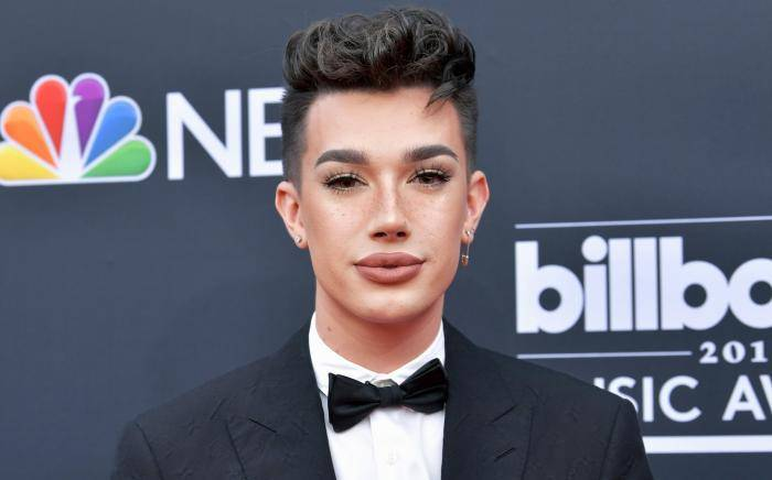 James Charles Lifestyle, Wiki, Net Worth, Income, Salary, House, Cars, Favorites, Affairs, Awards, Family, Facts & Biography