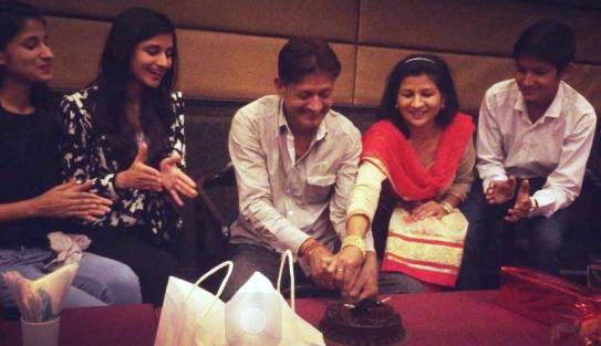 Kanika Mann with his parents