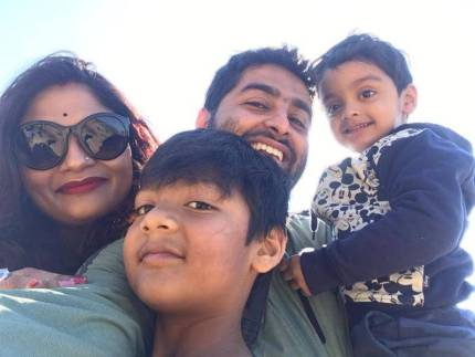 Koel Roy with his sons and husband Arijit Singh