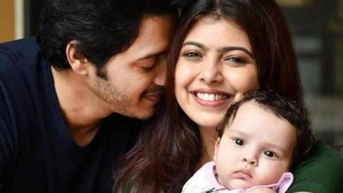 Deepti Talpade with Shreyas Talpade and their daughter