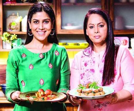 Sakshi Tanwar with her sister