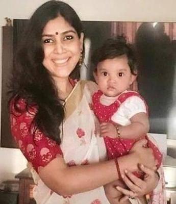 Sakshi Tanwar with his daughter