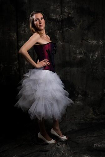 corset victorien et jupe mouchoirs de tulle blancs
