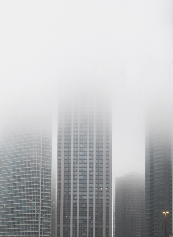 Strong air: Chicago skyscrapers shrouded in spring fog