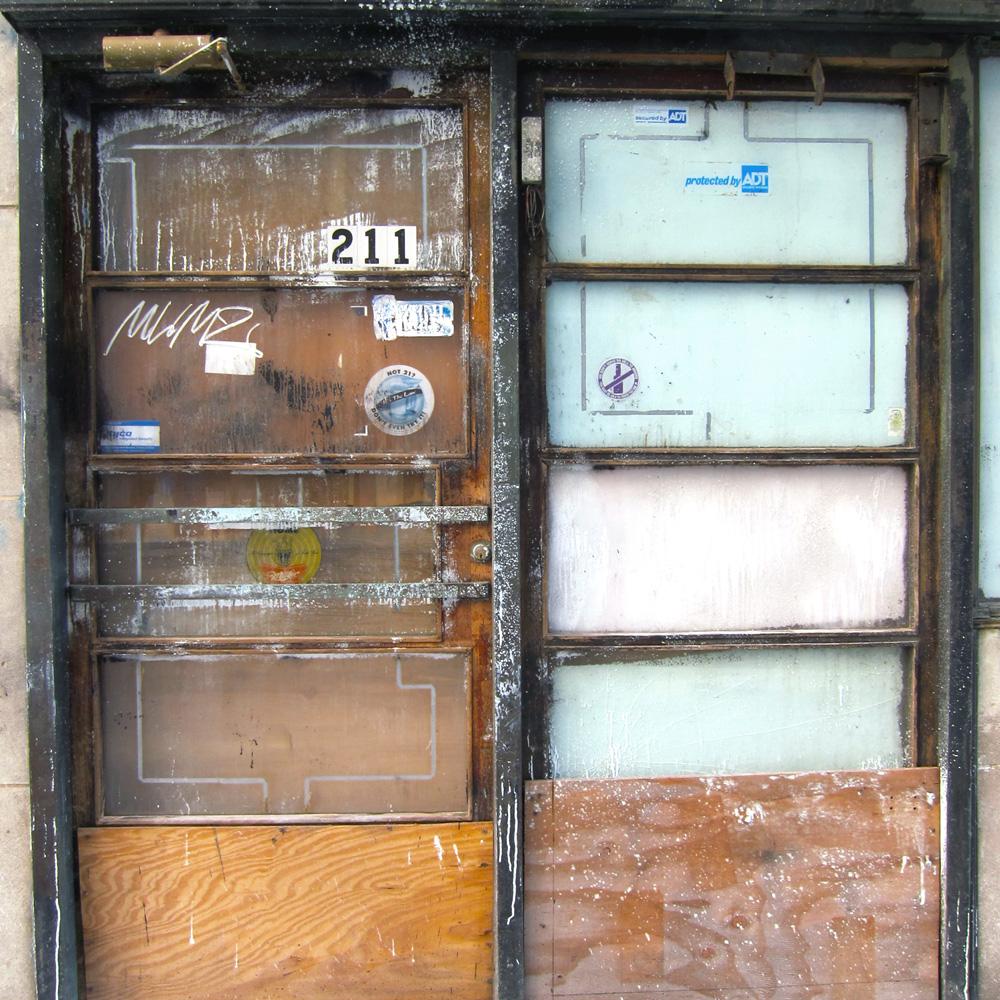 The doors of Cal's Liquor (Chicago), © 2014 Celia Her City