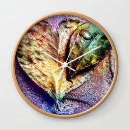 water-drop-on-green-heart-leaf-a-pitangueira-wall-clocks