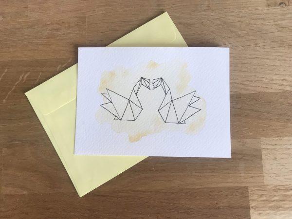carte saint valentin, cygnes origami, aquarelle ocre
