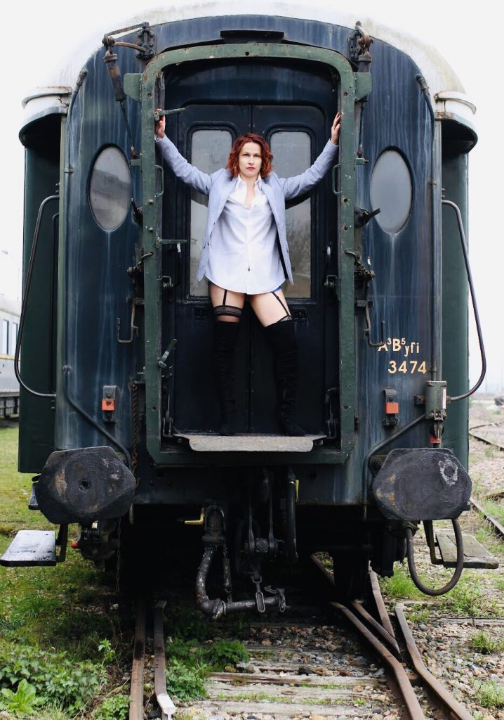 Kriss Maureor Urbex train steampunk