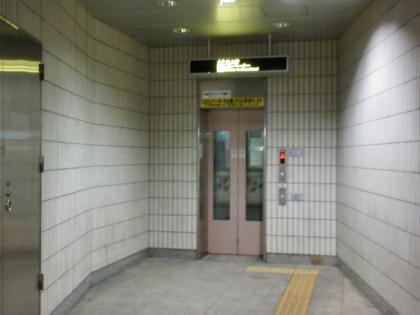 表参道駅 B3 エレベーター
