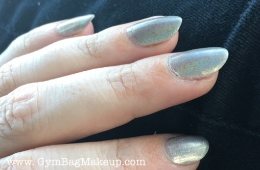 ilnp_cozy_mittens_nail_swatch_3