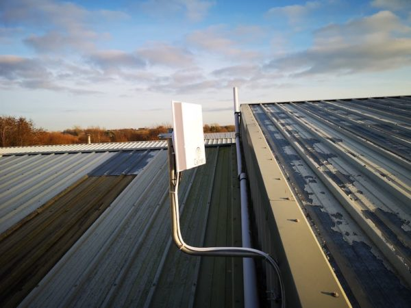 """Cellnet antenna on roof of """"Sticky Business"""""""