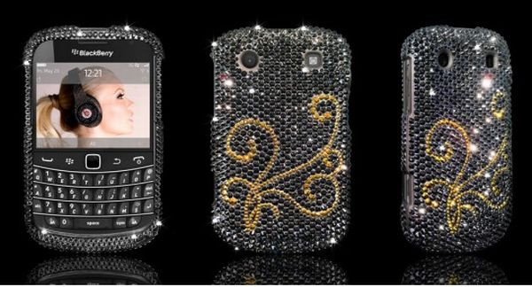 Blackberry Bold 9900 Comes With A Swarovski-studded Case