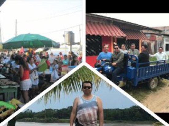 Es un collage donde esta un mercado otra es hombres en un carruaje viajando y un hombre en cerac del orilla del rio