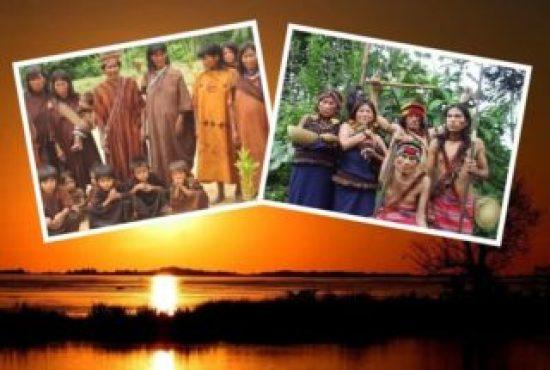 Collage de tribus en el rio Amazonico de Peru