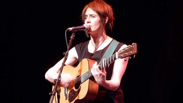 Karine Polwart – The Sun's coming over the Hill