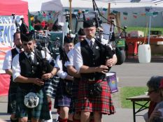 Brukteria Pipes and Drums