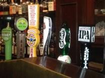 カウンター、生ビール種類多い