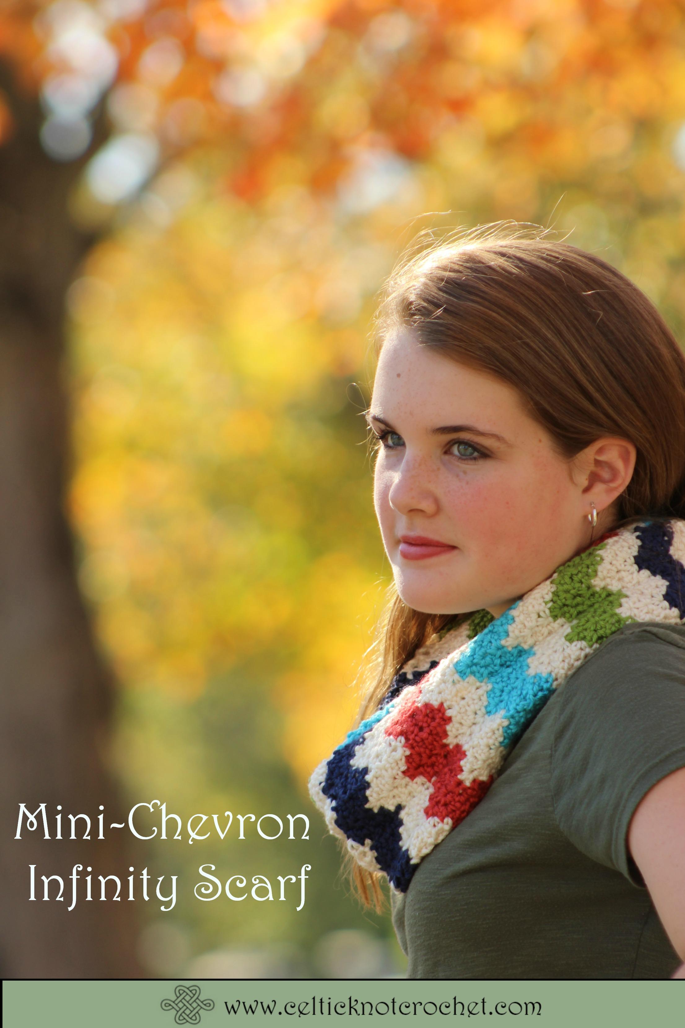 Mini-Chevron crochet scarf