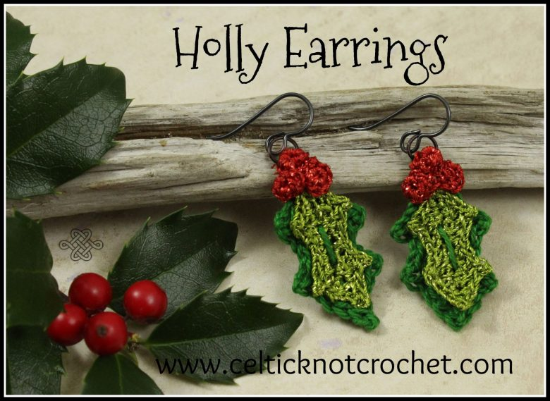crochet earrings for christmas in holly shape