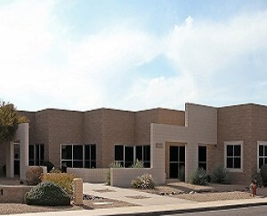 Daum Negotiates $1.55 Million Corporate Office & Manufacturing Building Purchase for Kroy Sign Systems in Scottsdale Airpark