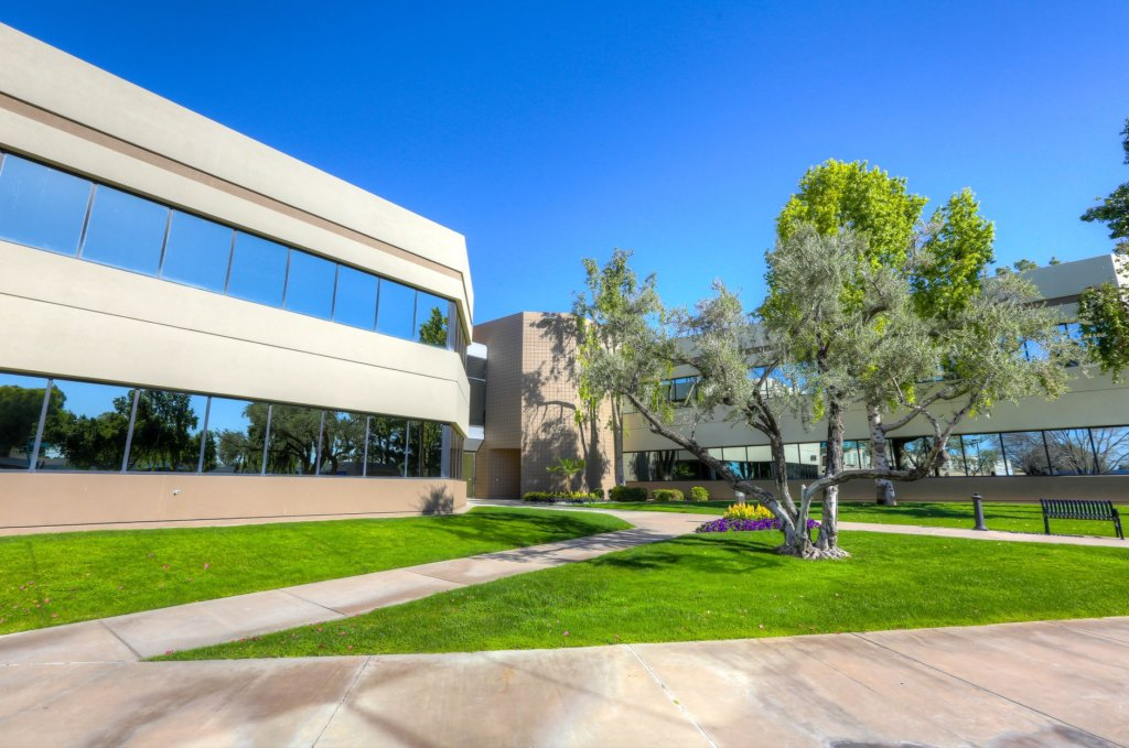 Camelback Lakes Office Building