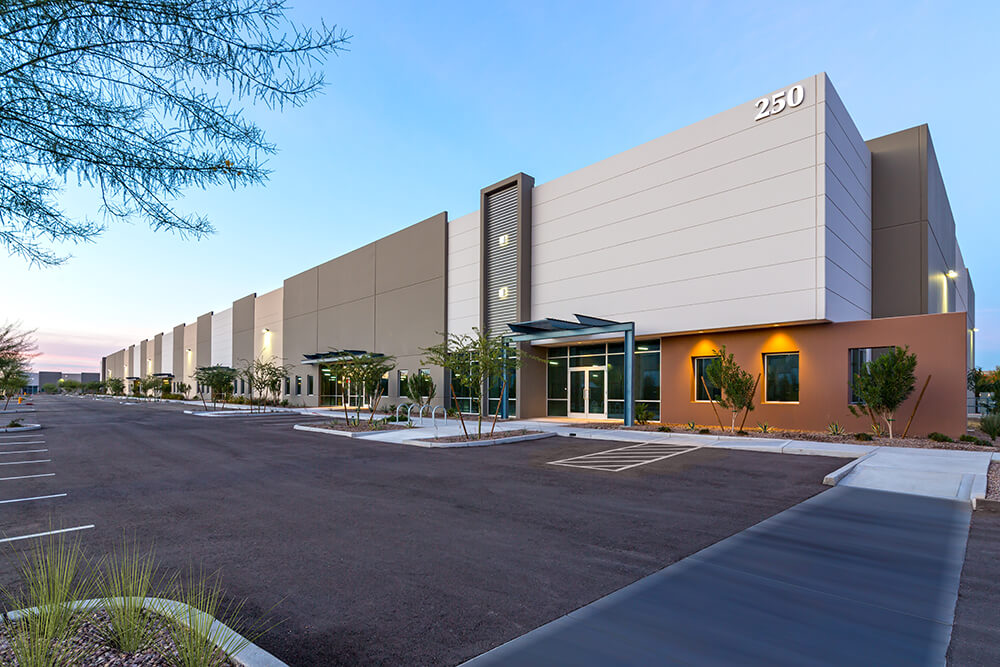 Phoenix's Emerging South Mountain Loop 202 Submarket Chosen for New Commerce Park