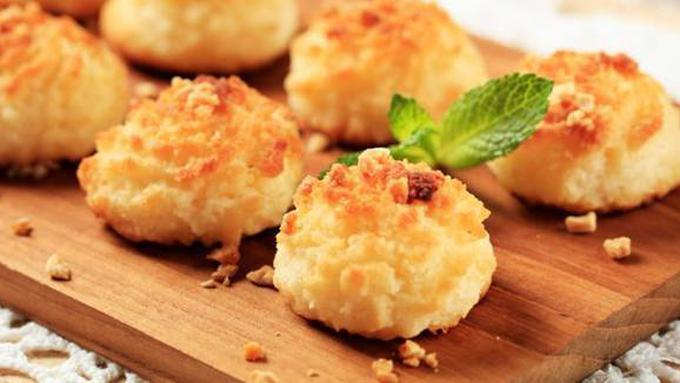 Makanan Gurih Dengan Tambahan Toasted Coconut Flakes