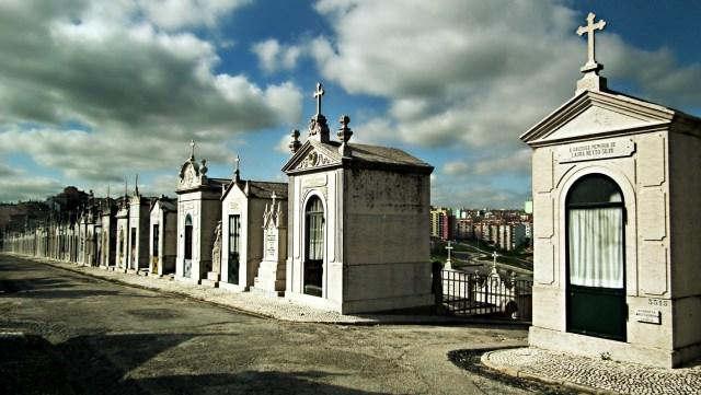 Alto de Sao Joao 6 - mausoleums