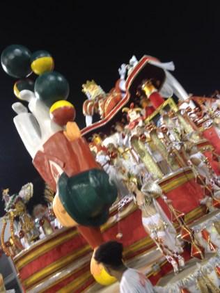 Lateral da quarta alegoria da X-9 no Desfile das Campeãs (2017) - Foto de Cassius S. Abreu